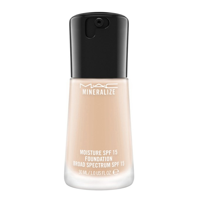 MAC Mineralise Moisture SPF15 Foundation