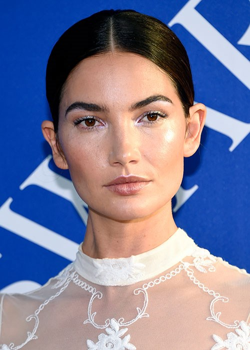 How to copy Lily Aldridge's dramatic winged eyeliner