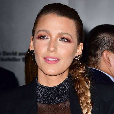 How to copy Blake Lively's smoky eye
