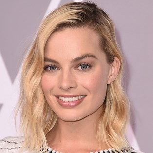 How to Style a Lob - Margot Robbie