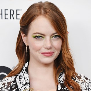 Emma Stone flower hair accessories