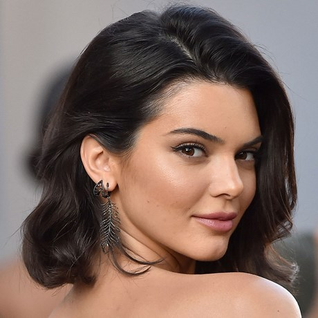 Best Bronzer Reviews For Your Skin Type - Kendall Jenner