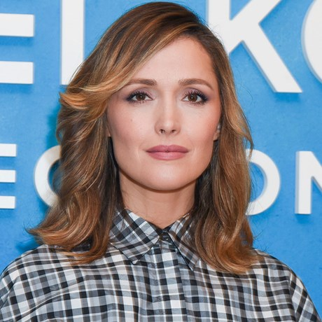 Rose Byrne now has blonde hair