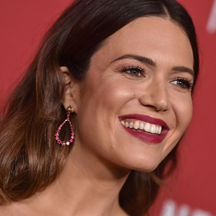 Best Long-Lasting Lipstick: We Review 10 Long-Wear Lipsticks - Mandy Moore