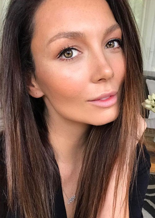 Ricki-Lee Coulter's everyday makeup look