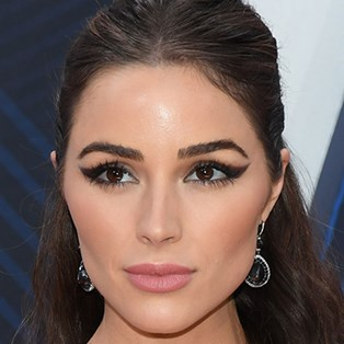 Olivia Culpo red carpet makeup