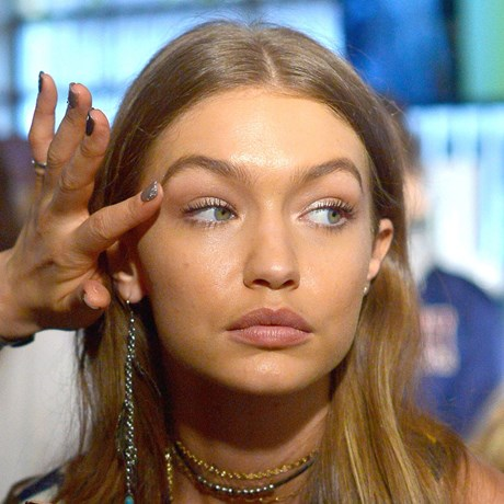 Gigi Hadid Eyebrows makeup