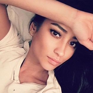 How to Get Hair Dye Off Skin - Shay Mitchell