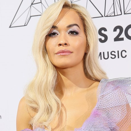 Rita Ora lilac makeup look