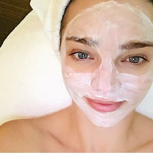 The Best Ways To Treat Congested Skin | BEAUTY/crew