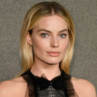 /media/30190/margot-robbie-nude-lipstick-s.jpg