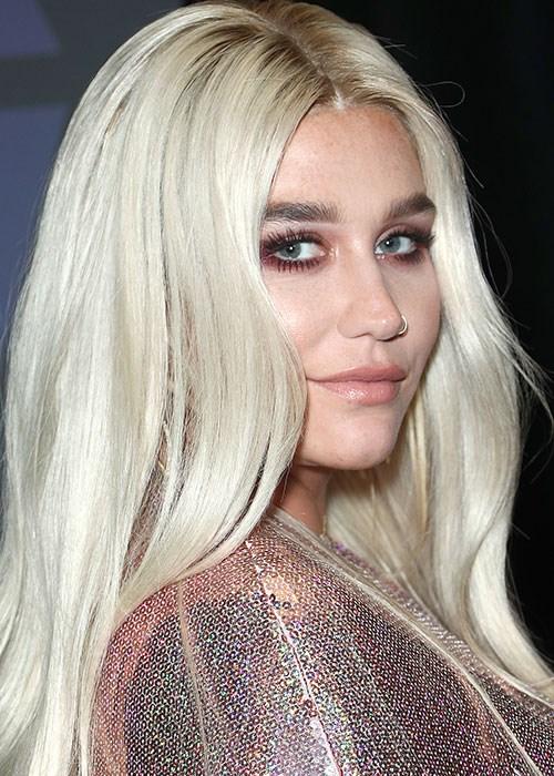 Kesha Showed Off Her Freckles In A Makeup Free Selfie Beautycrew - Kesha-no-makeup