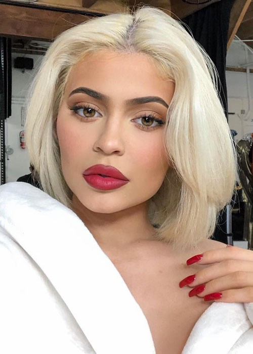 How To Bleach Hair At Home A Diy Step By Step Guide Beautycrew