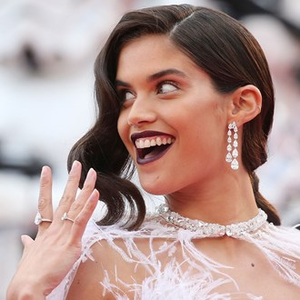 /media/30326/best-long-lasting-nail-polish-reviews-sara-sampaio-s.jpg
