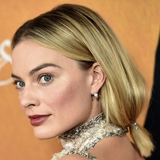 Cute Easy Hairstyles - Margot Robbie