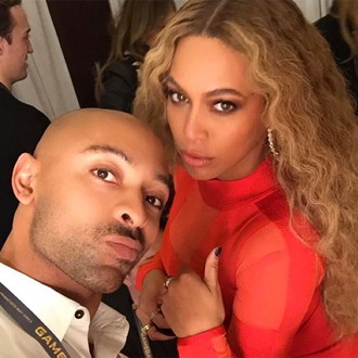 /media/30487/makeup-brush-mistake-beyonce-sir-john-s.jpg
