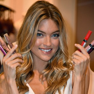 /media/30616/best-makeup-subscription-boxes-martha-hunt-s.jpg