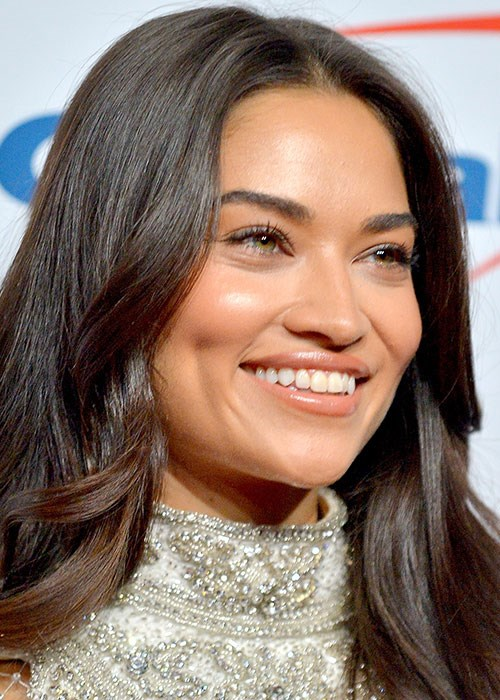 Best-Selling Serums In Australia - Shanina Shaik