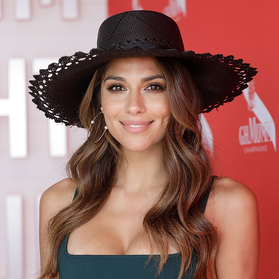 Pia Miller Won't Leave The House Without These Beauty Products