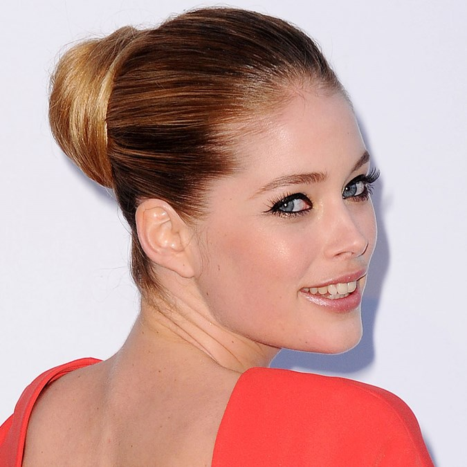 Best Classic Red Carpet Hairstyles - Doutzen Kroes