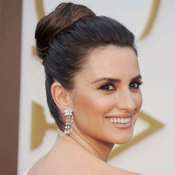 Best Classic Red Carpet Hairstyles - Penelope Cruz