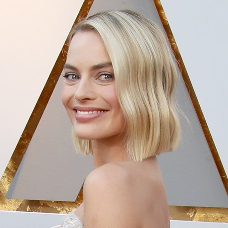 Margot Robbie's New Hair Is The Ultimate Beauty Throwback