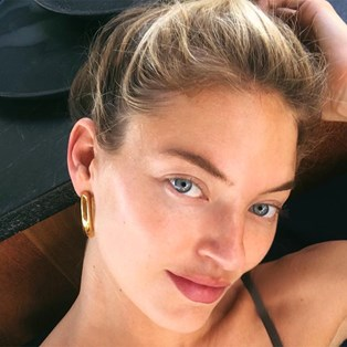 The Gua Sha Tool Victoria's Secret Angels Swear By - Martha Hunt