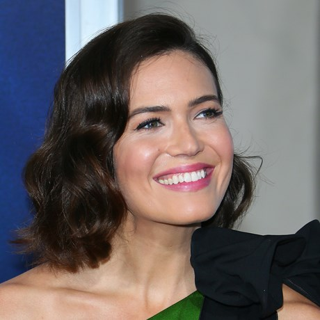 Mandy Moore's '70s Disco Queen Beauty Look Is Everything