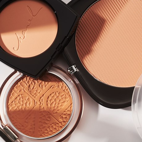 Why You Should Reach For A Matte Bronzer More Often