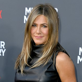 The Only Make-Up Trend That Jennifer Aniston Swears By