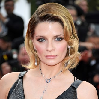 /media/32912/the-hills-star-mischa-barton-s-complete-beauty-evolution-in-pictures-s.jpg
