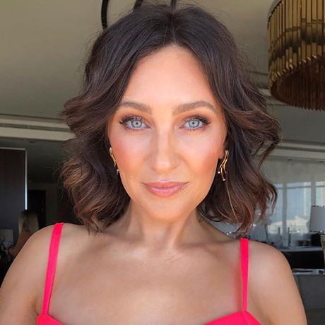 This Is How Zoe Foster Blake Prepped Her Skin For The Logies