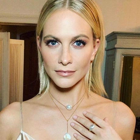 10 Best Nude Manicures - Poppy Delevingne