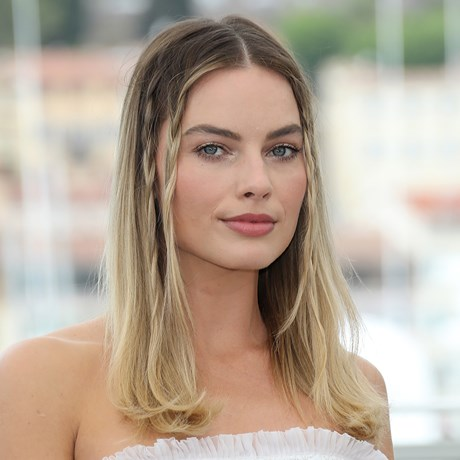 Margot Robbie's Orange Eyeshadow Look Is Everything