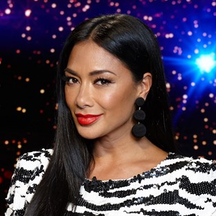 Nicole Scherzinger Can't Live Without This Lip Liner