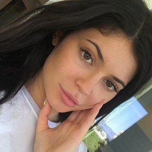 Everything-About-Eyelash-Extensions-Kylie-Jenner
