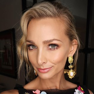 Anna Heinrich Just Got A Sassy New Haircut