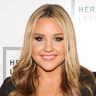 Amanda Bynes Returned To Instagram With A Wild New Hairstyle