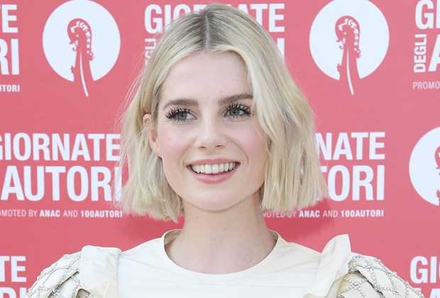 Magnetic Eyelashes Reviews - Lucy Boynton