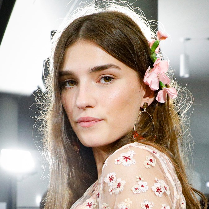The Best New Beauty Trends From Paris Fashion Week Spring 2020