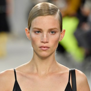 A Deep Side Part Was The Top Hair Trend At Paris Fashion Week