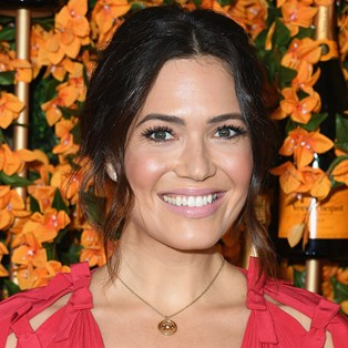 Best Drugstore Mascaras - Mandy Moore