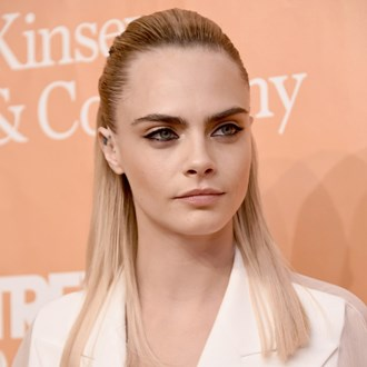 /media/35066/cara-delevingne-s-new-metallic-silver-eye-look-is-made-for-party-season-s.jpg