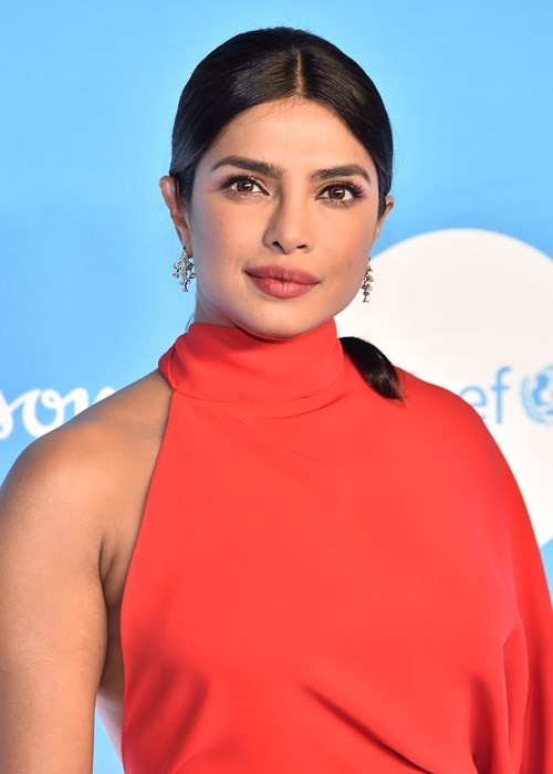 Priyanka Chopra's Festive Season Beauty Look Couldn't Be Easier To Recreate
