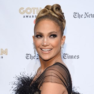 Jennifer Lopez Posted A No-Makeup Selfie To Celebrate Her 'Hustlers' Golden Globe Nomination