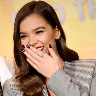 The Best Nail Polish in Australia - Hailee Steinfeld