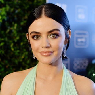 /media/36554/the-most-breathtaking-beauty-looks-from-the-2020-critics-choice-awards-s.jpg