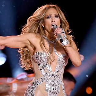 The Humidity-Resistant Hair Product Behind Jennifer Lopez's Perfect Super Bowl Curls