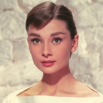 /media/37593/audrey-hepburn-iconic-hairstyles-s.jpg