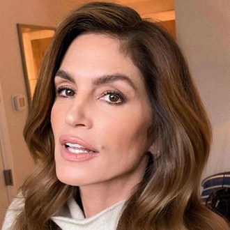 /media/38350/camouflage-wrinkles-makeup-tips-cindy-crawford-s.jpg